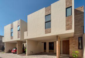 Foto de casa en venta en Aztlán, San Andrés Cholula, Puebla, 17260909,  no 01