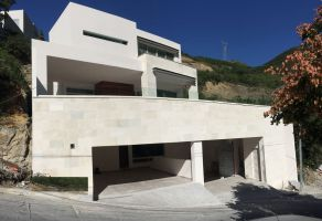 Foto de casa en venta en Jardines de San Agustin 1 Sector, San Pedro Garza García, Nuevo León, 5231067,  no 01