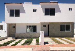 Foto de casa en condominio en venta en Los Olvera, Corregidora, Querétaro, 15333906,  no 01