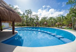 Foto de casa en venta en Cancún (Internacional de Cancún), Benito Juárez, Quintana Roo, 20399318,  no 01