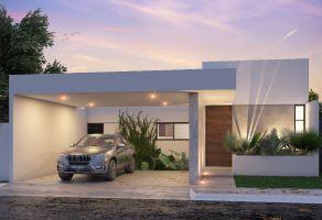 Foto de casa en venta en Santa María, Conkal, Yucatán, 12511364,  no 01