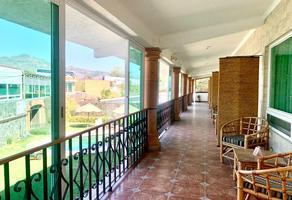 Foto de edificio en venta en  , huachinantilla, tepoztlán, morelos, 0 No. 01