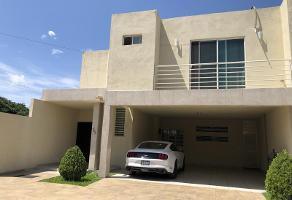 Foto de casa en venta en  , huerta los pirules, saltillo, coahuila de zaragoza, 0 No. 01