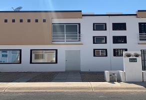 Foto de casa en renta en ikal , supermanzana 106, benito juárez, quintana roo, 0 No. 01