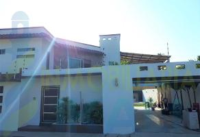 Foto de casa en venta en  , jardines de tuxpan, tuxpan, veracruz de ignacio de la llave, 11051978 No. 01