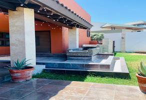 Foto de casa en venta en  , jardines de versalles, saltillo, coahuila de zaragoza, 0 No. 01