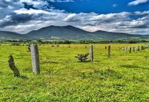 Foto de terreno habitacional en venta en - , la tinaja, pátzcuaro, michoacán de ocampo, 14184652 No. 01