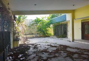 Foto de casa en venta en  , plutarco elías calles, othón p. blanco, quintana roo, 0 No. 01