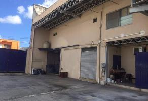 Foto de nave industrial en venta en  , región 101, benito juárez, quintana roo, 6841027 No. 01