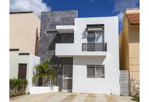 Foto de casa en renta en  , residencial del norte, mérida, yucatán, 15137982 No. 01