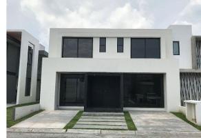 Foto de casa en venta en  , santa cruz otzacatipán, toluca, méxico, 11724685 No. 01