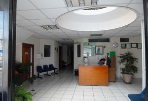 Foto de edificio en venta en s/n , ejercito mexicano, uruapan, michoacán de ocampo, 12652712 No. 01