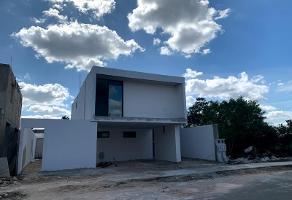 Foto de casa en venta en s/n , rincón colonial, mérida, yucatán, 12803749 No. 01