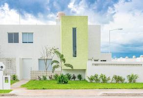 Foto de casa en venta en  , villas del sur, mérida, yucatán, 16776378 No. 01