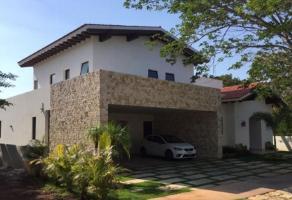 Foto de casa en venta en yuacatan country club , chablekal, mérida, yucatán, 14157417 No. 01