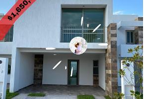 Foto de casa en venta en  , zona industrial, san luis potosí, san luis potosí, 17634540 No. 01