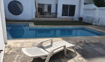 Foto de casa en venta en Acapatzingo, Cuernavaca, Morelos, 12562279,  no 01