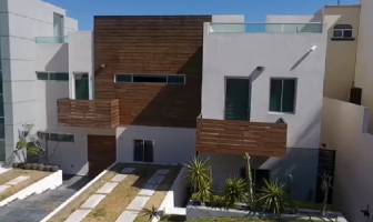 Foto de casa en venta y renta en Vista Real y Country Club, Corregidora, Querétaro, 13688298,  no 01