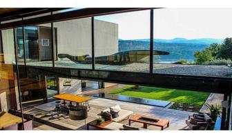 Foto de casa en venta en  , avándaro, valle de bravo, méxico, 20251324 No. 01