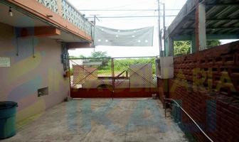 Foto de edificio en venta en  , burocrática, tuxpan, veracruz de ignacio de la llave, 5076118 No. 01