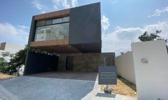 Foto de casa en venta en Bosques de San José, Santiago, Nuevo León, 14423254,  no 01