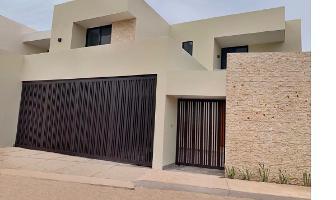 Foto de casa en venta en  , montebello, mérida, yucatán, 14102909 No. 01