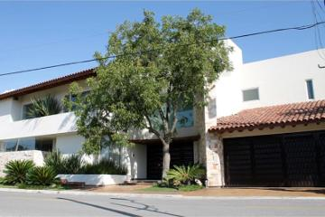 Foto de casa en venta en  1010, nogalar del campestre, saltillo, coahuila de zaragoza, 2460263 No. 01