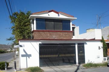 Foto de casa en venta en  104, jardines coloniales, saltillo, coahuila de zaragoza, 2806070 No. 01