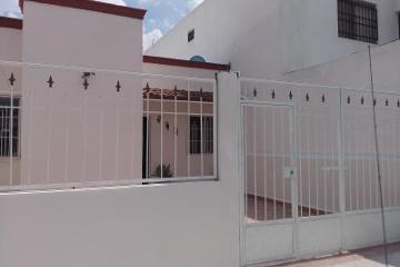 Foto de casa en venta en  124, privada los magueyes, saltillo, coahuila de zaragoza, 2429348 No. 01