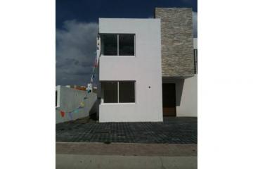 Foto principal de casa en renta en el refugio, residencial el refugio 806337.