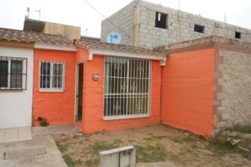 Foto de casa en venta en  246, miramapolis, ciudad madero, tamaulipas, 2774810 No. 01