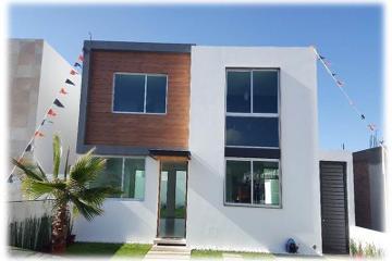 Foto de casa en venta en  326, residencial el refugio, querétaro, querétaro, 2694150 No. 01