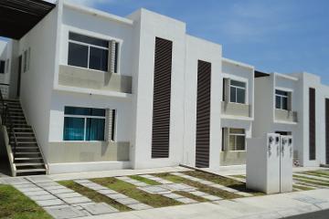 Foto de departamento en venta en Los Olvera, Corregidora, Querétaro, 3032070,  no 01