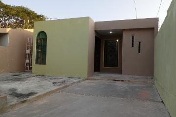 Foto de casa en venta en 41 , paseo de las fuentes, mérida, yucatán, 0 No. 01