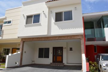Foto de casa en venta en Real de Valdepeñas, Zapopan, Jalisco, 3058931,  no 01