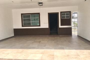 Foto de casa en venta en Privadas de Cumbres, Monterrey, Nuevo León, 3035568,  no 01