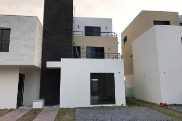 Foto de casa en venta en  , san miguel totocuitlapilco, metepec, méxico, 2781473 No. 01