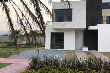 Foto de casa en venta en  , san miguel totocuitlapilco, metepec, méxico, 2854640 No. 01