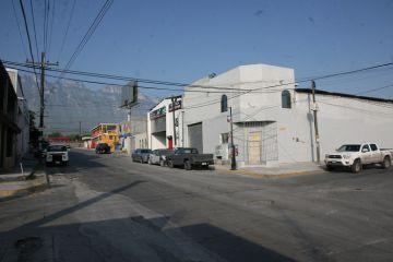 Foto de bodega en renta en Plutarco Elias Calles 1 - 2, Monterrey, Nuevo León, 2017774,  no 01