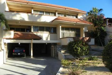 Foto de casa en venta en avenida alvaro abregon (malecon) 1045, esterito, la paz, baja california sur, 2702527 No. 01