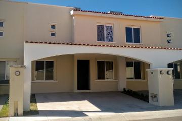 Foto principal de casa en renta en av. providencia , rancho santa mónica 2503566.