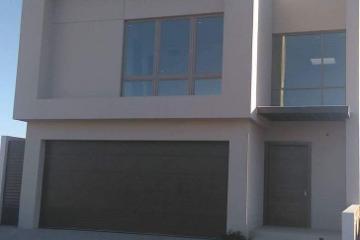 Foto de casa en venta en  , bosques del valle, chihuahua, chihuahua, 2763410 No. 01