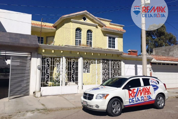 Foto de casa en venta en calle la paloma , real del mezquital, durango, durango, 2054963 No. 01