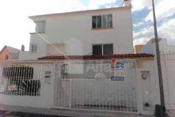 Foto principal de casa en venta en cumbres del mirador 2469113.