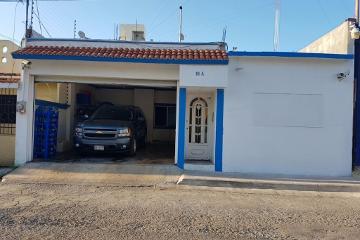 Foto de casa en venta en  , electricistas, carmen, campeche, 3000905 No. 01