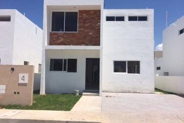 Foto de casa en venta en  , fénix, campeche, campeche, 2761547 No. 01