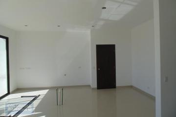 Foto de casa en venta en  , hacienda del refugio, saltillo, coahuila de zaragoza, 2992486 No. 01