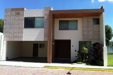Foto de casa en renta en  , jardines de zavaleta, puebla, puebla, 2896593 No. 01