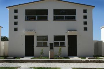 Foto de casa en renta en  , la trinidad tepehitec, tlaxcala, tlaxcala, 1459955 No. 01