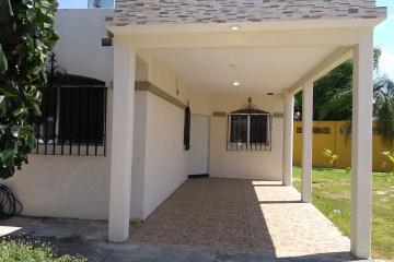 Foto de casa en venta en lapizlazu 48 , paraiso salahua, manzanillo, colima, 4716980 No. 01